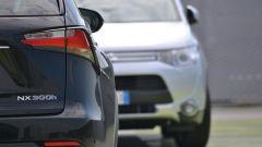 Lexus NX vs Mitsubishi Outlander PHEV: il video  - Immagine: 3