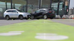 Lexus NX vs Mitsubishi Outlander PHEV: il video  - Immagine: 6