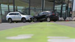 Lexus NX vs Mitsubishi Outlander PHEV - Immagine: 4