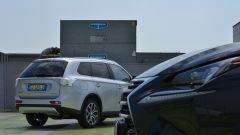 Lexus NX vs Mitsubishi Outlander PHEV - Immagine: 6