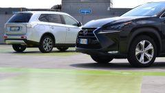 Lexus NX vs Mitsubishi Outlander PHEV - Immagine: 8