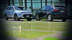 Lexus NX vs Mitsubishi Outlander PHEV - Immagine: 1