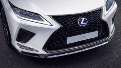 Lexus RX 2019: dettaglio calandra anteriore