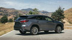 Lexus RX 2019: vista laterale
