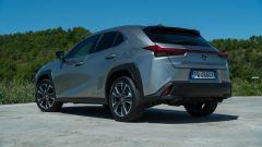 Lexus UX 3/4 posteriore