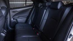 Lexus UX interni divanetto
