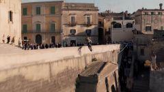 L'impressionante stunt del film No Time To Die girato a Matera