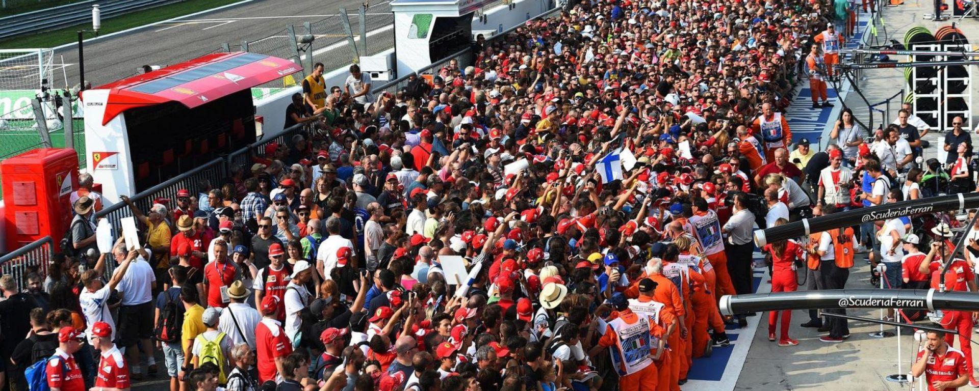L'incredibile spettacolo di pubblico che solo Monza riesce a mettere...in pista