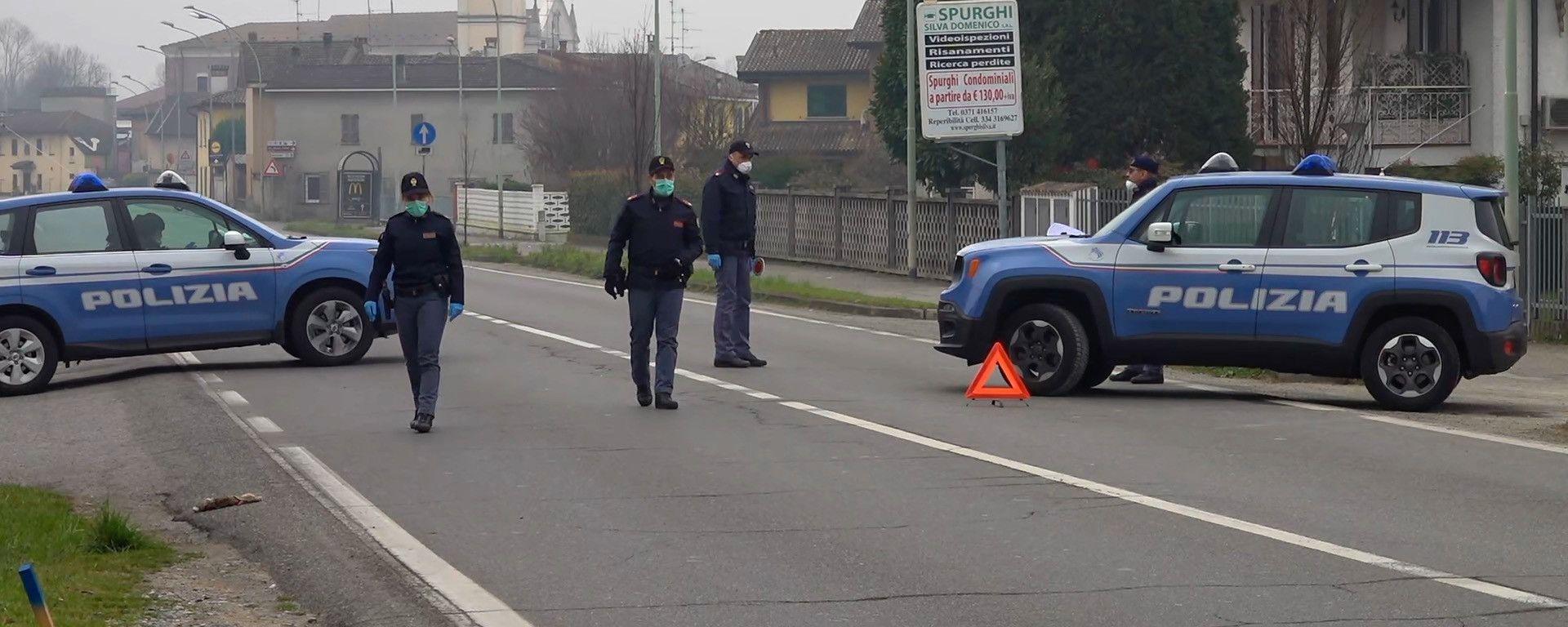 L'ingresso della Zona Rossa presidiato dalla Polizia