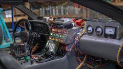 L'interno della DeLorean by Razorfly Studios
