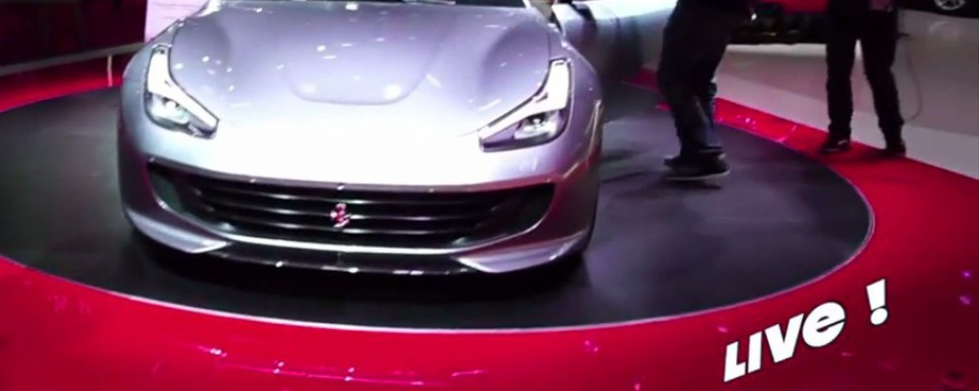 Live Parigi 2016: Ferrari LaFerrari Aperta e GTC4Lusso T in video