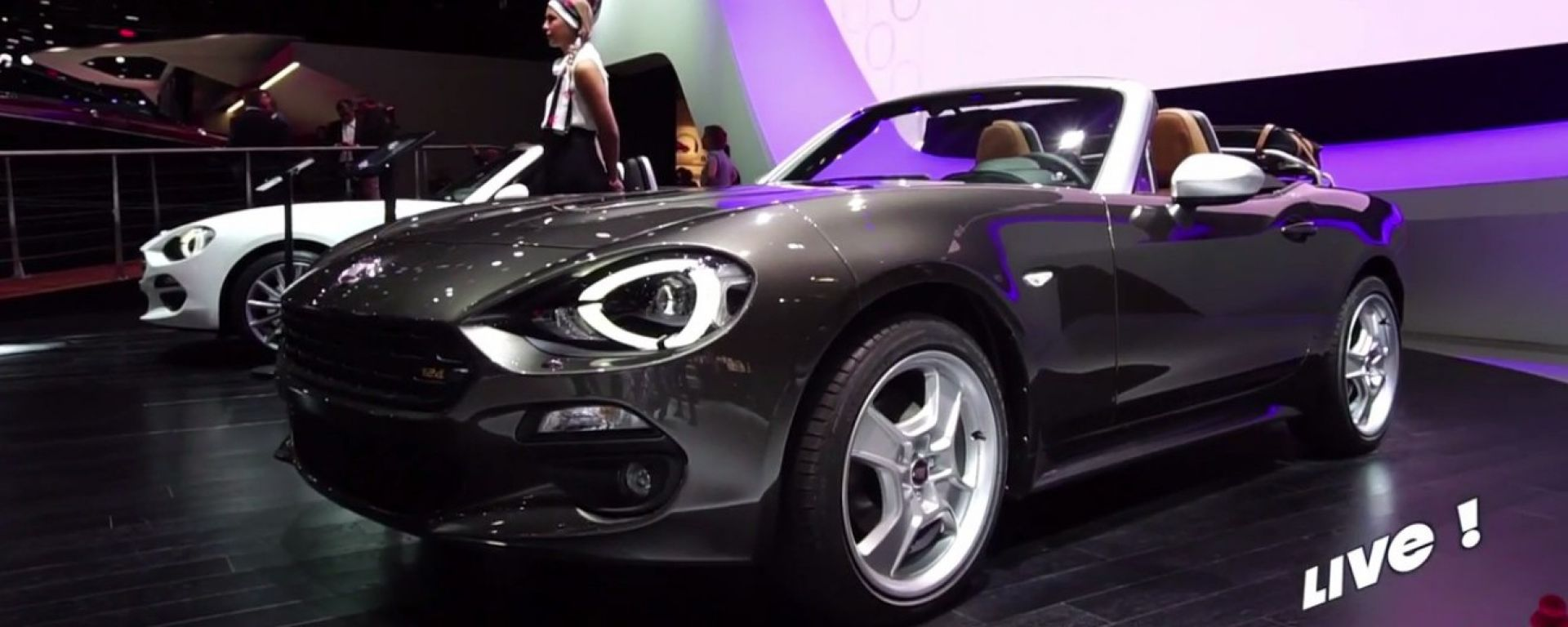 Live Parigi 2016: Fiat 124 Spider America, 500X DCT e 500 Riva in video