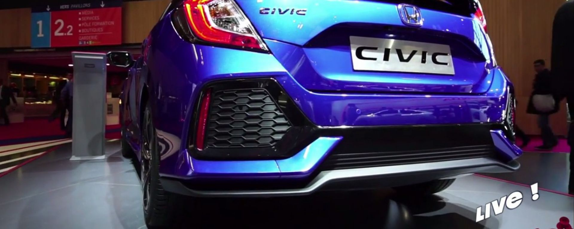 Live Parigi 2016: Honda Civic, Type-R e Civic Sedan in video