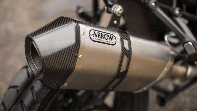 Lo scarico in titanio Arrow per la Triumph Tiger 1200