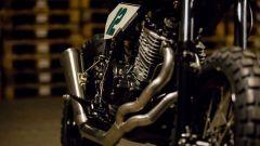Lo scarico laterale della Honda Dominator 650 Scrambler