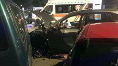 Lo schianto contro un SUV Porsche è stato devastante