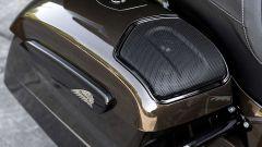 Lo stereo nella valigia posteriore della Indian Roadmaster Jack Daniel's Limited Edition