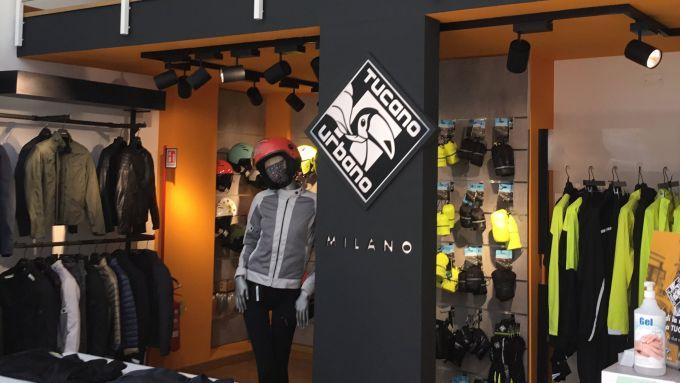 Lo store Tucano Urbano di Milano: essenziale ma accogliente