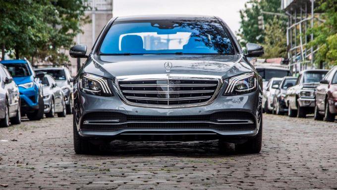 Lo storico stemma Mercedes