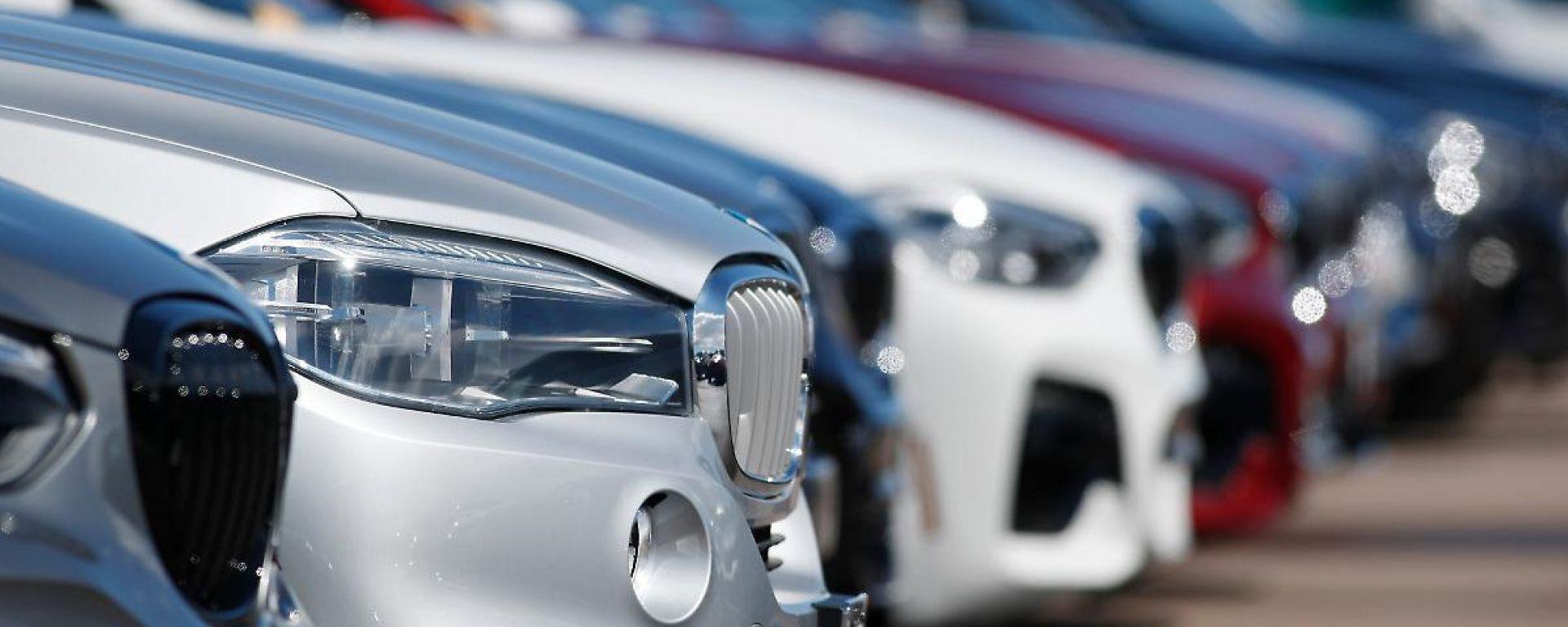 Lombardia, concessionarie auto aperte anche sotto zona rossa