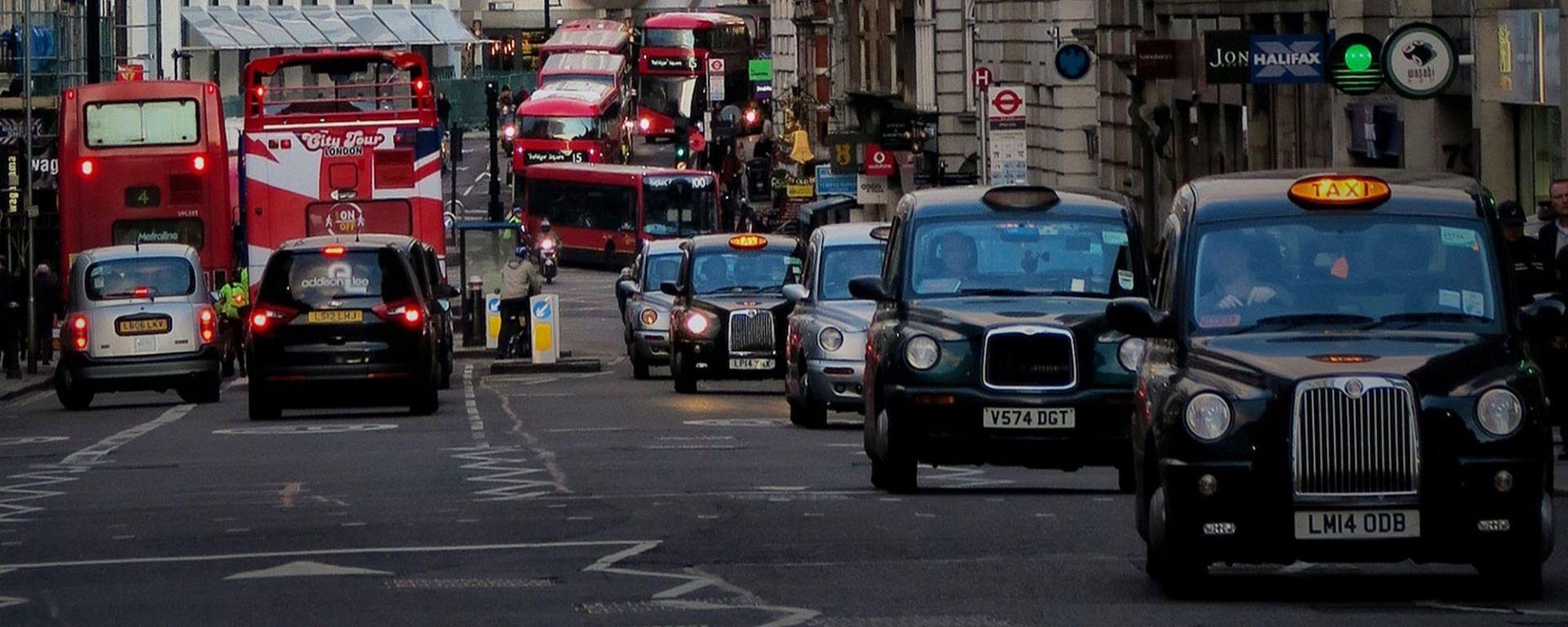 Londra, la guida autonoma dovrà aspettare