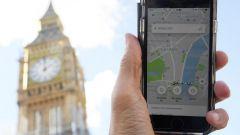 """Londra ritira la licenza a Uber. Decisione """"politically motivated""""?"""