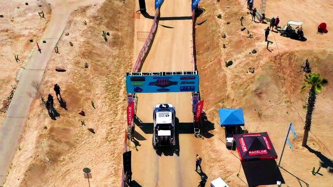 Lordstown Endurance, il pick-up elettrico alla partenza della Score San Felipe 250, in Messico