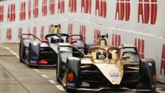 Lotterer e Bird nelle fasi conclusive dell'ePrix di Hong Kong