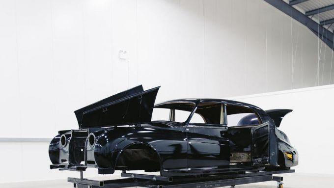 Lunaz, la startup inglese che elettrifica le auto storiche