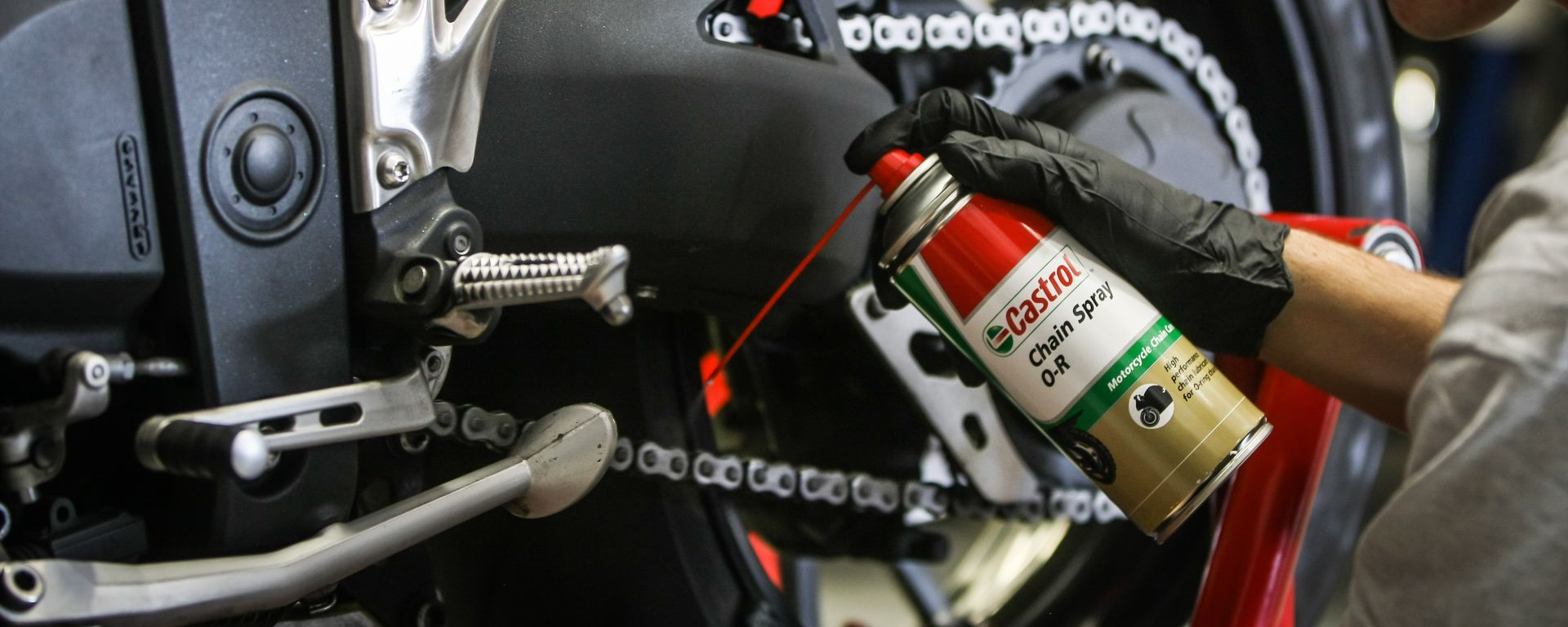 manutenzione catena moto