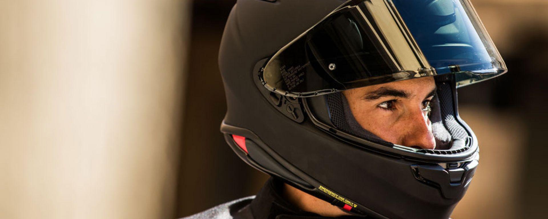 Marc Marquez con lo Shoei NXR2