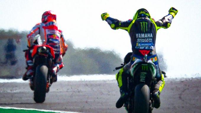 Marc Marquez (Honda) e Valentino Rossi (Yamaha)