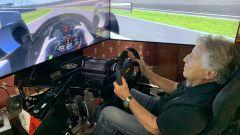 Mario Andretti si allena al simulatore per l'evento | Foto: The Race