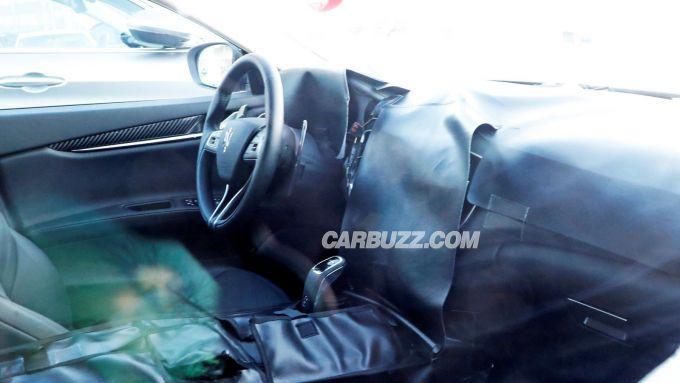 Maserati Ghibli facelift: gli interni camuffati