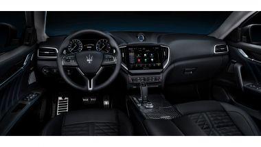 Maserati Ghibli Hybrid: gli interni