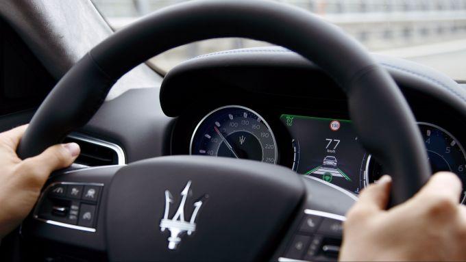 Maserati Ghibli Hybrid: il sistema ADAS in auto