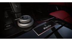 Maserati Ghibli Ribelle, il badge numerato
