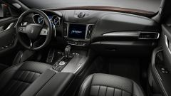 Maserati Levante SQ4: l'abitacolo Ermenegildo Zegna