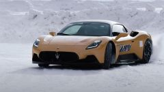 Maserati MC20 2021: i test proseguono sulla neve