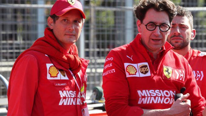 Mattia Binotto a Baku insieme al presidente Ferrari, John Elkann