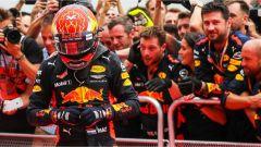GP Malesia, F1: con un pit stop, Verstappen vince la gara con Red Bull e Vettel con Ferrari raggiunge il podio