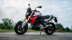 Maxi comparativa naked medie: BMW F 900 R, 3/4 anteriore