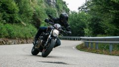 Maxi comparativa naked medie: Ducati Monster 821 Stealth in azione