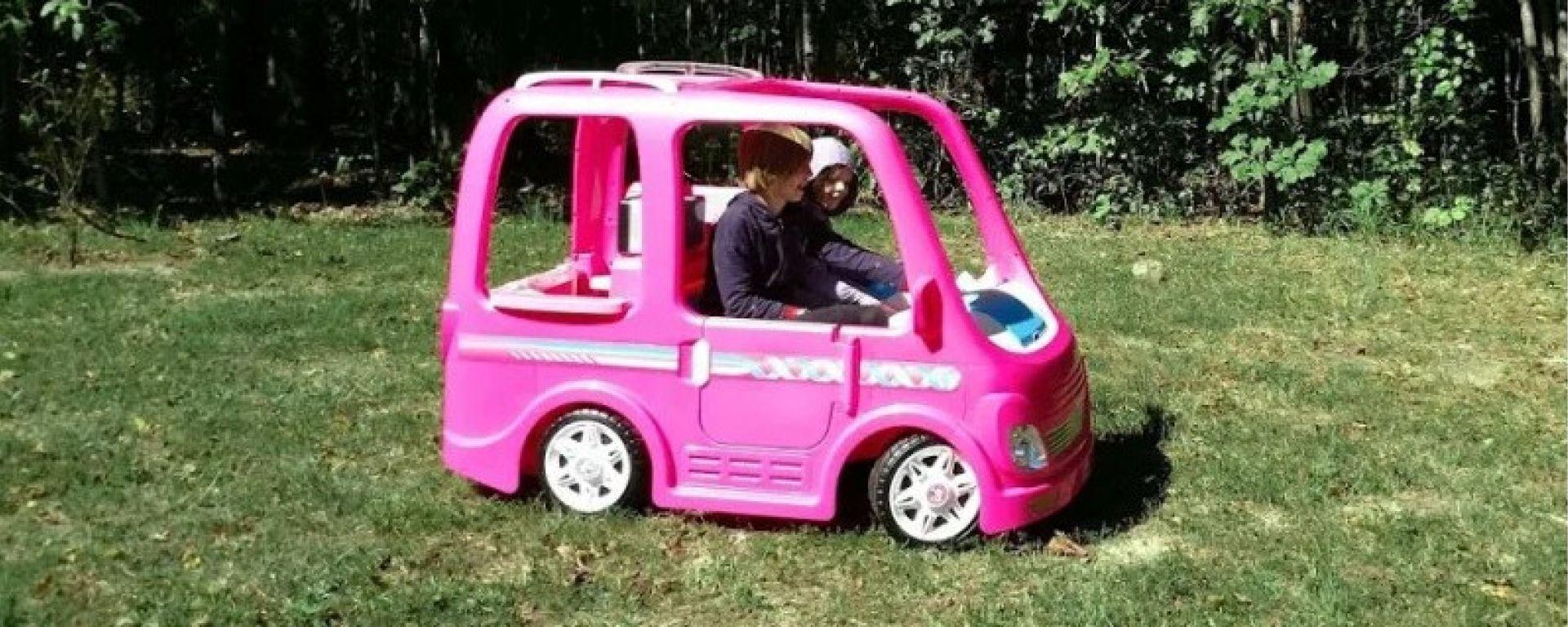 Maxi richiamo: acceleratore difettoso sul camper di Barbie