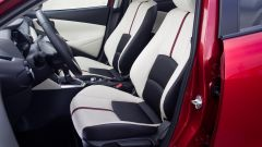 Mazda 2 anteriore interni