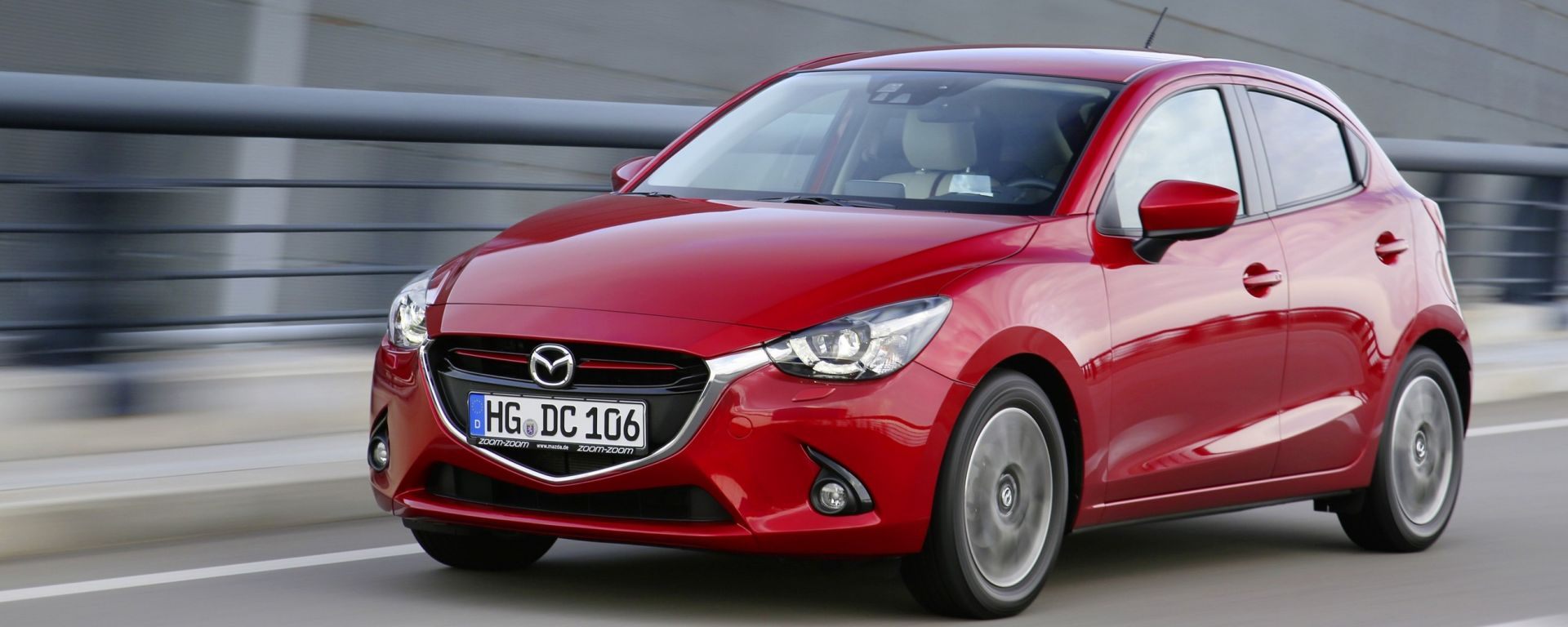 Mazda 2 anteriore