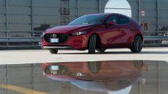 Mazda 3 Skyactiv-D: riflessi di luce