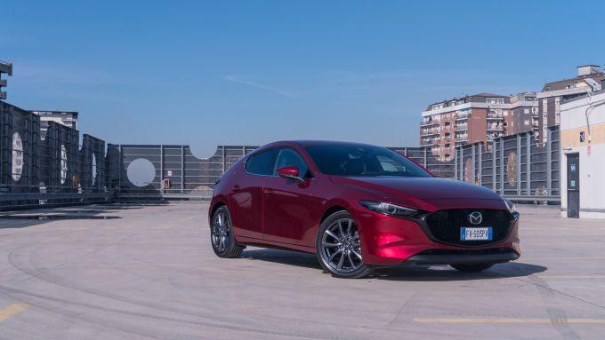Mazda 3 Skyactiv-D: stile moderno e piacevole