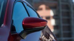 Mazda 3 Skyactiv-D: un dettaglio dello specchio retrovisore esterno