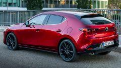 Mazda 3 vista 3/4 posteriore